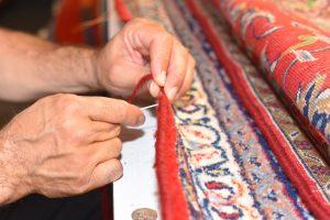 Unsere Experten reparieren die Kanten Ihres Teppichs